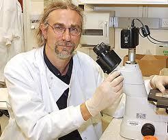 Dr Stephen Minger