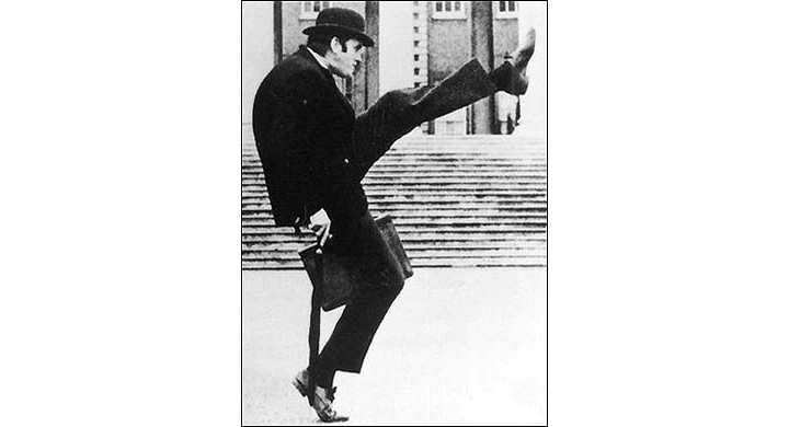 Cleese-silly-walks1