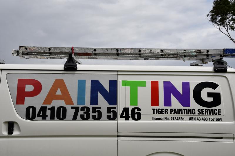 Painting Van Closer