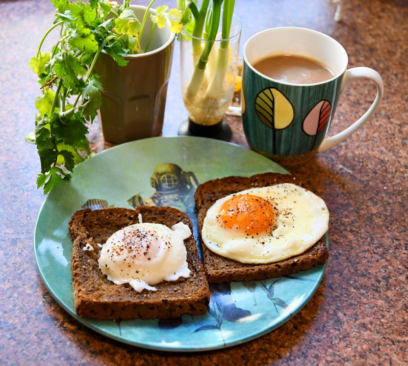 Eggs on Rye Bread