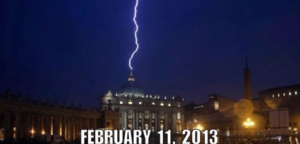 Lightening St Peter's Basilica Vatican