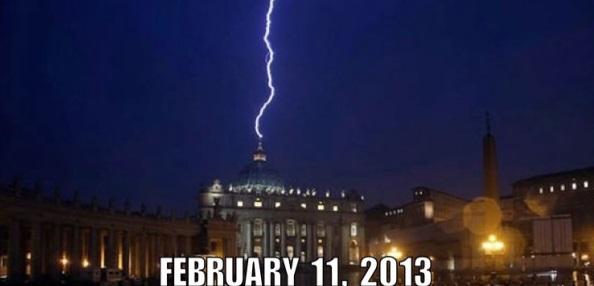 Lightening St Peter's Basilica Vatican